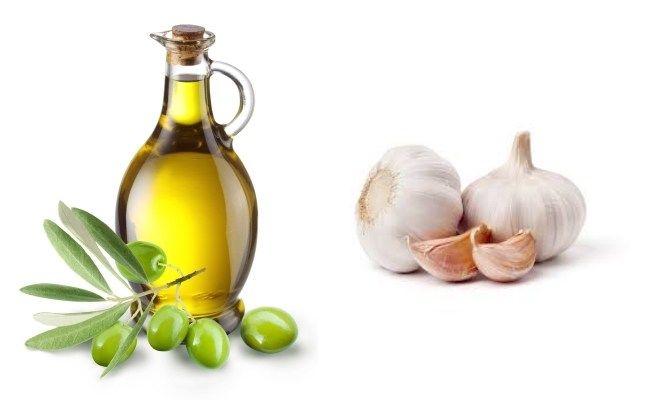 Kết hợp nước ép tỏi và sữa rửa mặt có tác dụng làm sạch da và giảm bài tiết dầu thừa