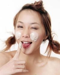 Sửa rửa mặt trắng da, giảm nhờn, phù hợp với mọi loại da