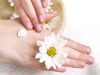 Cách cho đôi bàn tay mềm mại cùng kem dưỡng da tay