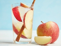 Giảm cân nhanh chóng hiệu quả với detox táo